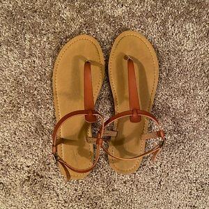 Universal thread strappy sandals 11
